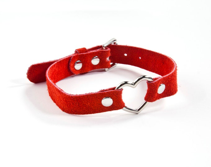 Suede Heart Collar - Red