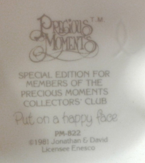 Special Edition Members Club Only Precious Moments Figurine  # PM 822 Retired Put On A Happy Face