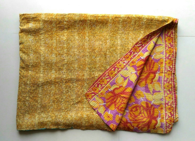 FREE SHIPPING! Light weight Vintage kantha quilt throw blanket coverlet baby quilt Sari quilt Gudri bedding decor! Ready to ship