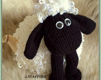 Sheep Tea Cosy pdf knitting pattern