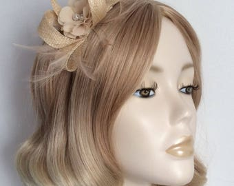 NATURAL FASCINATOR, Made with sinamay, feathers, Nude chiffon flower, on a headband
