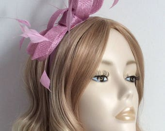 MAUVE SINAMAY FASCINATOR, With coque Feathers, On a satin headband