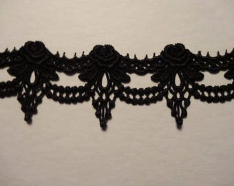 Ribbon lace guipure motif black 20cm