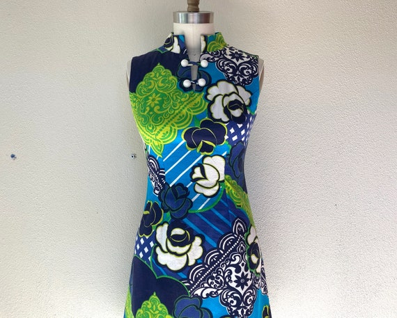 1960s Psychedelic print dress