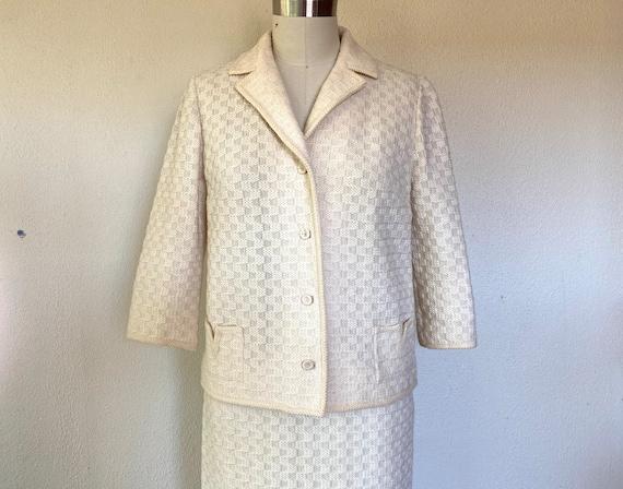 1960s White wool skirt suit