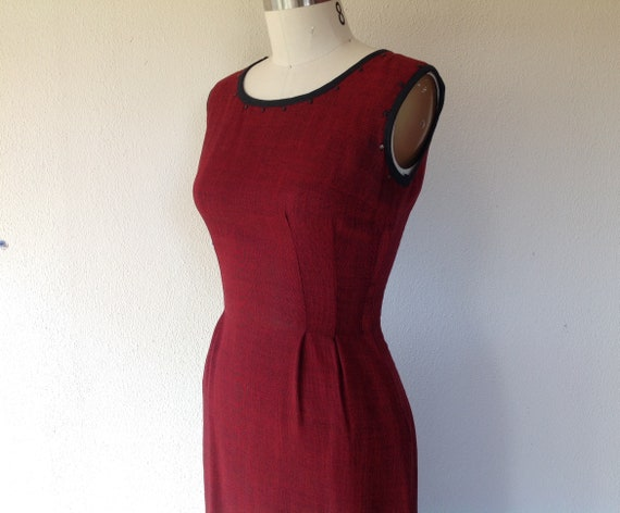 1940s Cranberry red wiggle dress