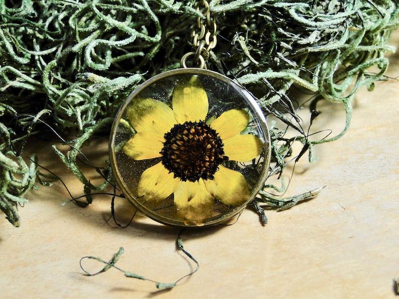 Black Eyed Susan Necklace real flower necklace sunflower image 0