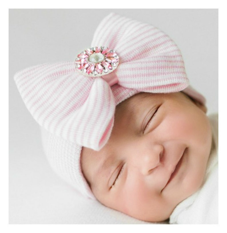 5505817dfc72 Baby girl hospital outfit Newborn girl hospital hat with bow