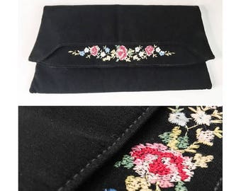 Silk Hand Embroidered Floral Fold Over Clutch // 1930s 1940s Point de Beauvais Evening Purse // 30s 40s Floral Tambour Embroidered Purse