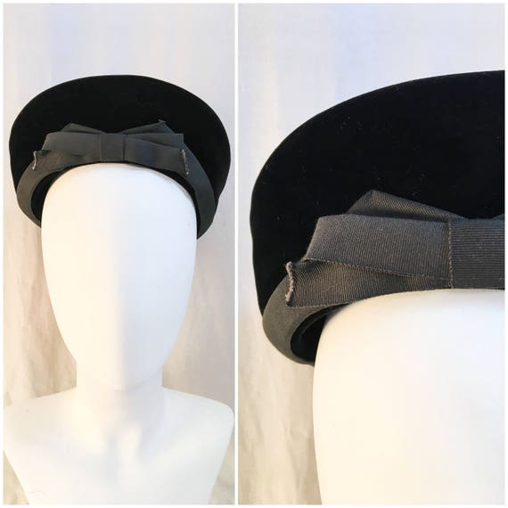 1940s Halo Hat // 40s Black Velvet Beret Tam Halo