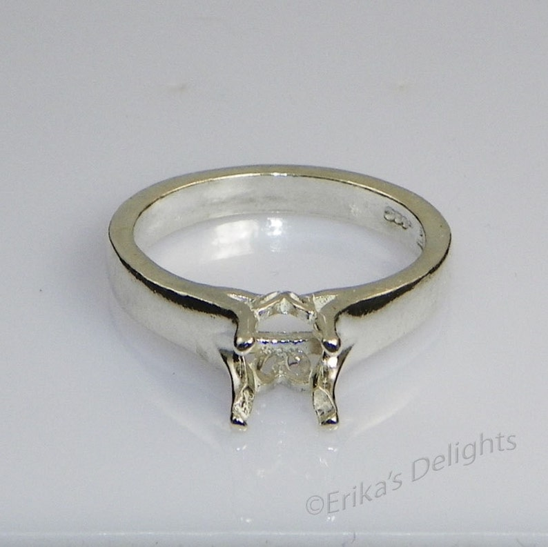 ID# 163-270 3.5mm - 9mm Sterling Silver Pre-Notched RING Setting Round Tulip