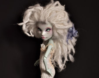 Monster High MH Ever After High EAH Ghosted Custom clothing Pale beige n cream Dress Jacket Crocheted Lace Tiny Crystals Moonstone Buttons