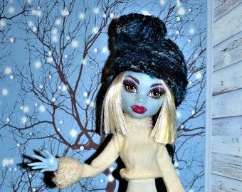 Monster High Custom Hat n' Scarf set Unisex Fairy Faerie Fae Snail Hat micro knit helmut Specialty yarn Rayon multi blues Whimsical OOAK