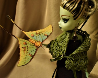 Monster High Ever After High custom handmade Vintage Inspired Olive Green Crocheted Cape Shawl Wrap Victorian Steampunk 1/6th scale OOAK