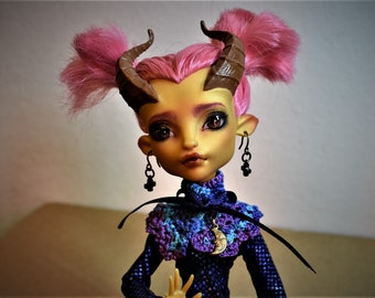 Monster High custom handmade clothes Long sleeved Dress Classic Wiggle with Crocheted Ruff/ Collar Moon Charm Front Pleat OOAK