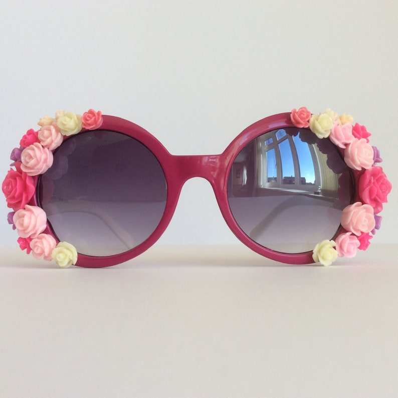 840690005a9 Cerise Embellished Sunglasses Women White Temple Arm Pink
