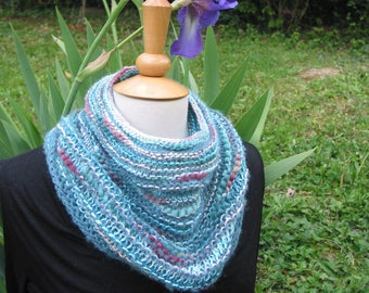 "Round neck, shoulder warmer knitted ""of turquoise in my garden"""