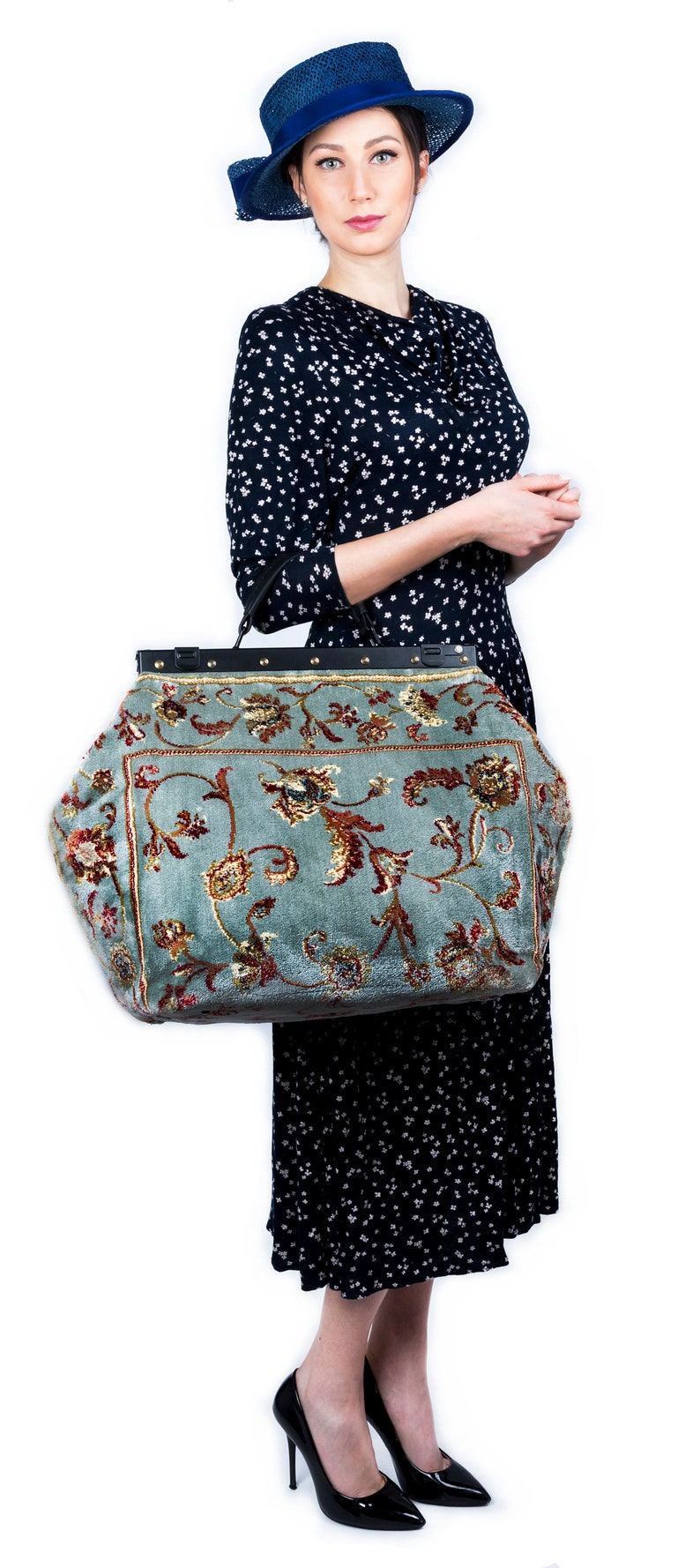 Victorian Purses, Bags, Handbags Sac-Voyage Pergola Silver large Mary Poppins Victorian Carpet Bag $335.03 AT vintagedancer.com