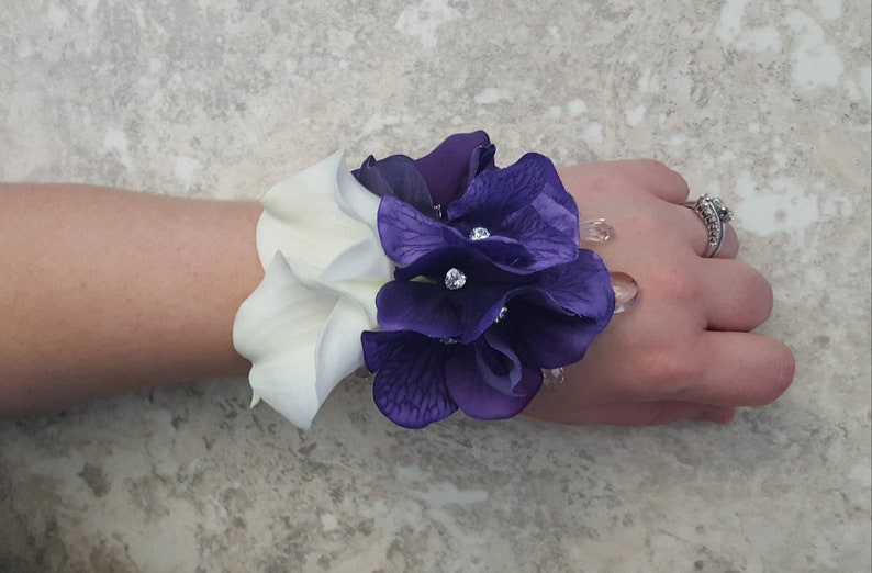 MATCHING Boutonniere  Hair Pin Purple Velvet Silk Hydrangea Diamonds Crystal LACE Corsage BOXED Real Touch Pure White Calla Lily