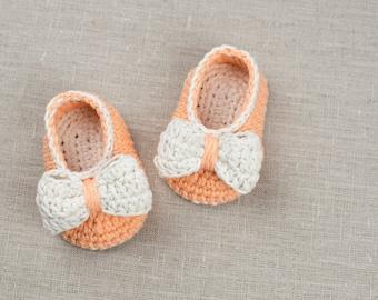 CROCHET PATTERN - Crochet Baby Booties Orange Pumpkin  - Baby Shoes - PDF