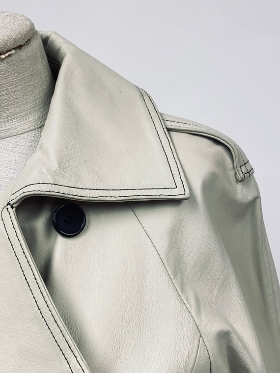 Vintage 1970's White Leather Trench Coat - image 5