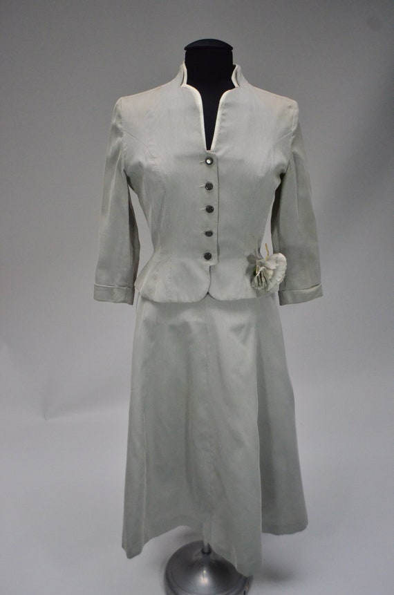 1940's/1950's Light Gray Skirt Suit
