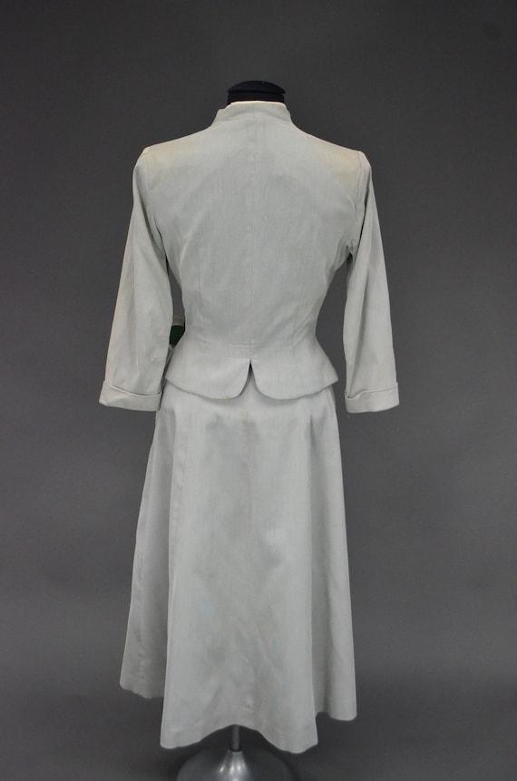 1940's/1950's Light Gray Skirt Suit - image 6