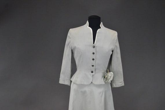 1940's/1950's Light Gray Skirt Suit - image 2