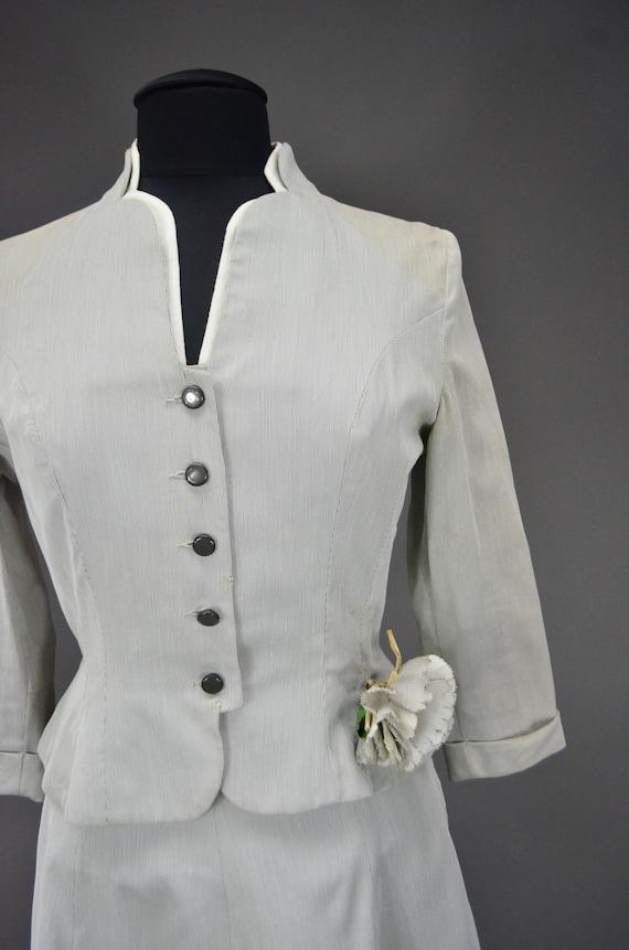 1940's/1950's Light Gray Skirt Suit - image 4