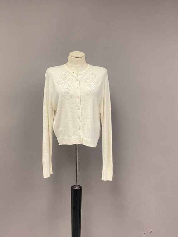 Vintage 1950's/60's Ivory Cardigan with Embroidere