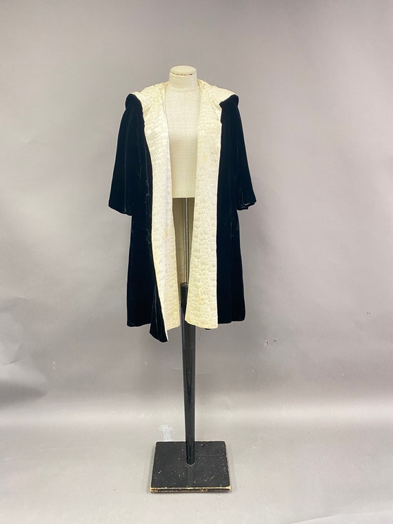 Vintage 1940s/50's Velvet Hooded Reversible Cloak