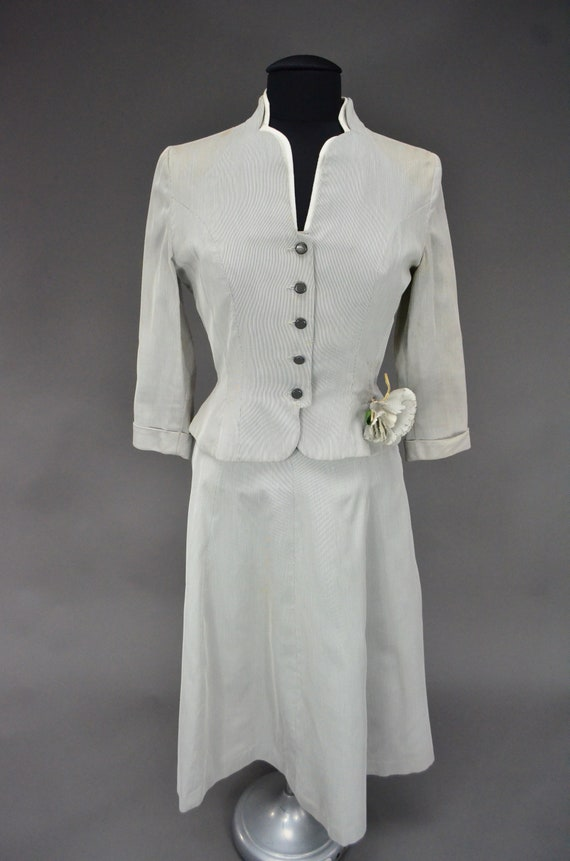 1940's/1950's Light Gray Skirt Suit - image 3