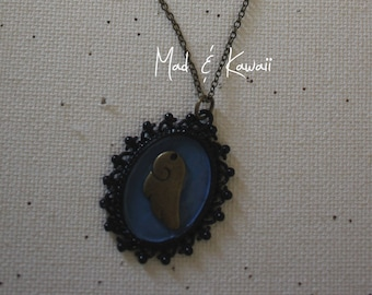 Cameo necklace wing