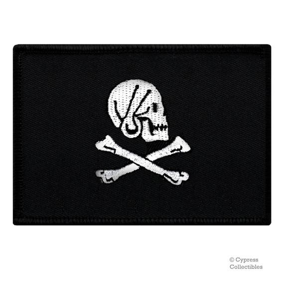 JOLLY ROGER Skull and Crossbones EMBROIDERED SKELETON new IRON-ON PIRATE PATCH