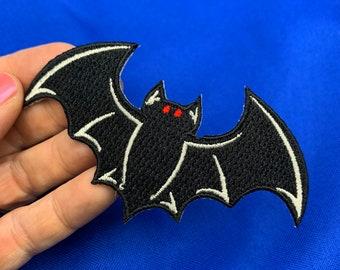 VAMPIRE BAT PATCH iron-on embroidered wild animal black applique