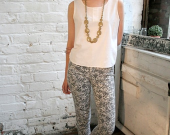 Vintage Printed Cropped Trousers // Size 8