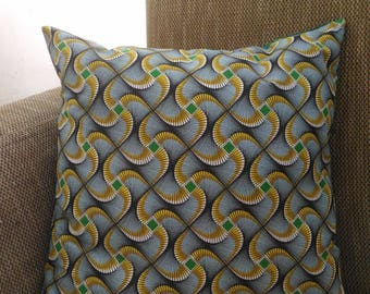 """40 cm x 40 cm cotton Cushion cover """"wax"""" and plain green cotton."""
