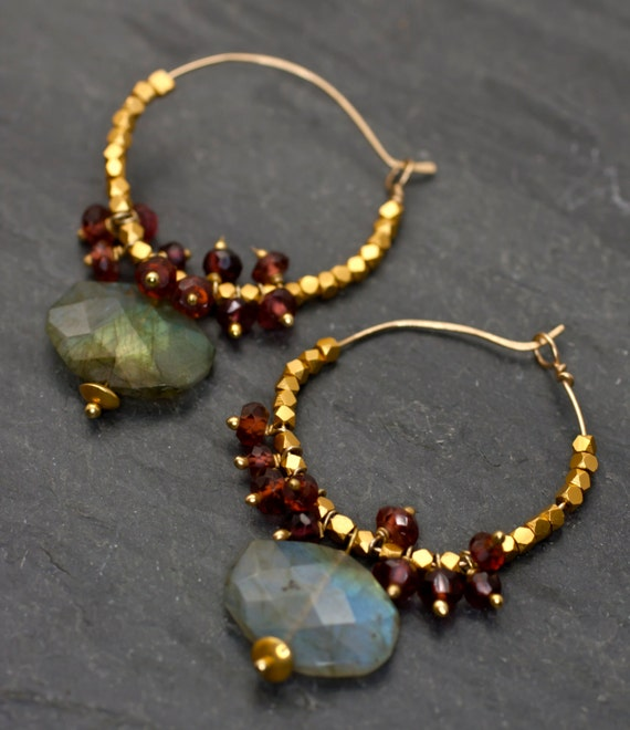 Labradorite earrings, Flashy Labradorite hoops, Garnet and gold earrings, Boho earrings,Labradorite jewelry, gemston hoops, Gift idea