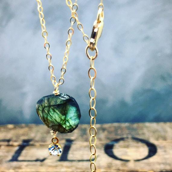 Flashy Labradorite necklace, labradorite pendant, Labradorite jewelry , gold fill chain , short necklace , minimalist jewelry , simple jewel