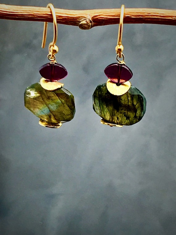 Labradorite earrings with garnet