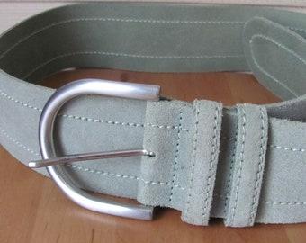 Ceinture Vintage   Taille de ceinture en cuir véritable M   Ceinture large  6cm   Ceinture en daim vert sauge   Vintage ceinture en cuir véritable avec  ... 865964ac4db