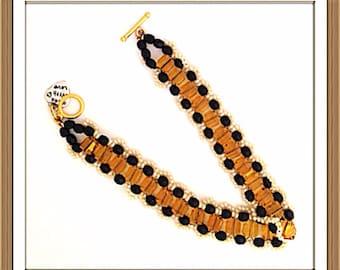 Bracelet Handmade MWL black and yelliw beaded bracelet. 0174