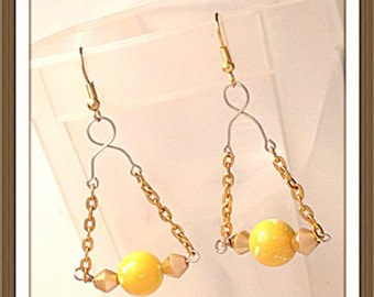 Handmade MWL beaded dangle earrings. 0087
