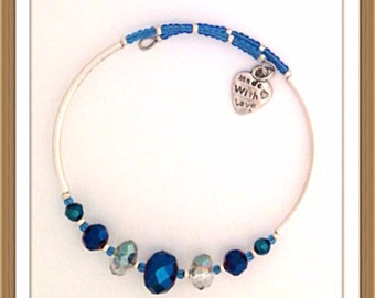 Bracelet Handmade MWL memory wire bracelet blue and crystal beads. 0173