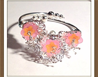 Bracelet Handmade by MWL pink orange and silver flower bracelet. 0212