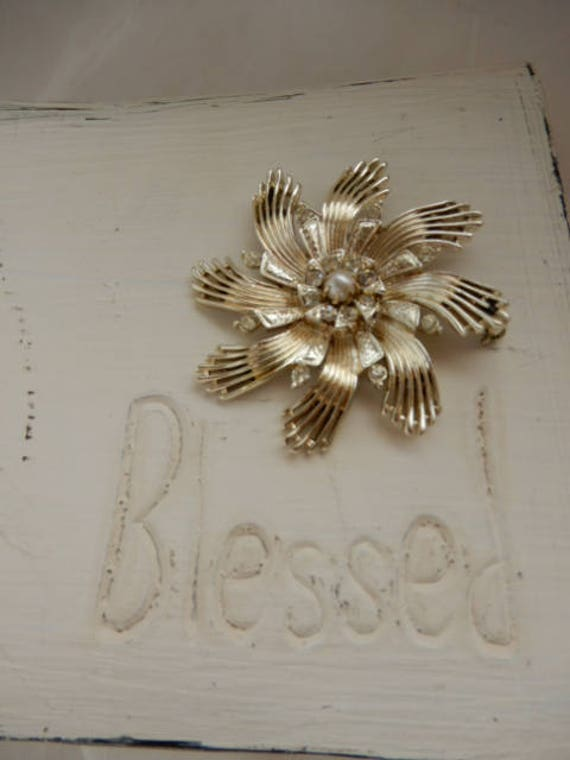 Vintage Ceil Chapman Gold Tone Brooch - image 1