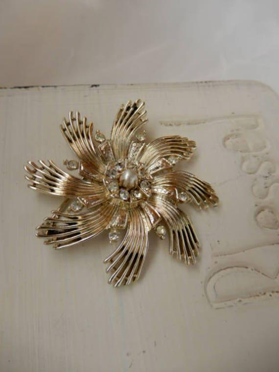 Vintage Ceil Chapman Gold Tone Brooch - image 4
