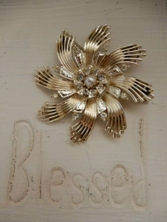 Vintage Ceil Chapman Gold Tone Brooch - image 2