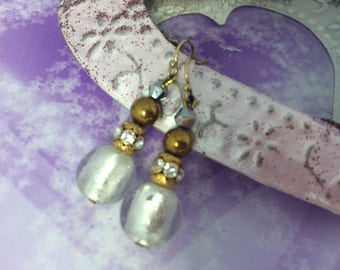 Earrings ' romantic white and gold earrings