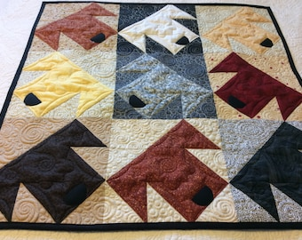Quilted dog wall hanging, dog art picture, small dog quilt, quilted table topper with dog theme